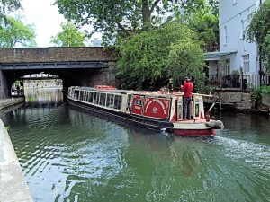 Discover Little Venice: Canal Boat and Lunch @ Camden Lock | London | United Kingdom