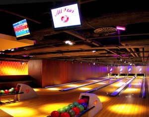 New Years Eve 80s, 90s, 00s Party & Bowling @ Bloomsbury Lanes | England | United Kingdom